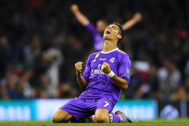 Cristiano Ronaldo celebra uno de sus dos tantos