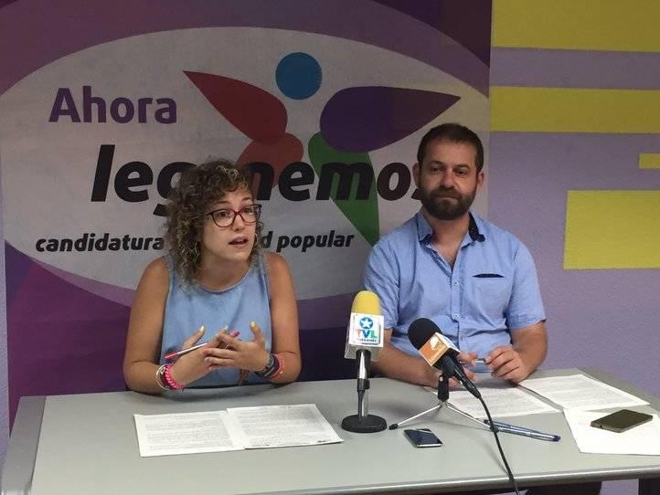 Los dos concejales que quedan de Leganemos, con Fran Muñoz como portavoz