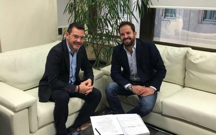 Carlos González, candidato popular a la Alcaldía de Getafe, junto a Rubén Maireles, presidente del PP getafense.