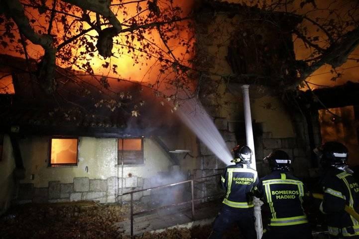 Incendio en el antiguo restaurante Guipúzcoa