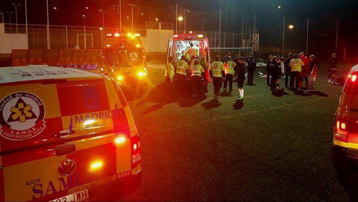 Un anciano se desploma en un partido de fútbol