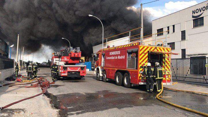 Controlado un aparatoso incendio en Getafe