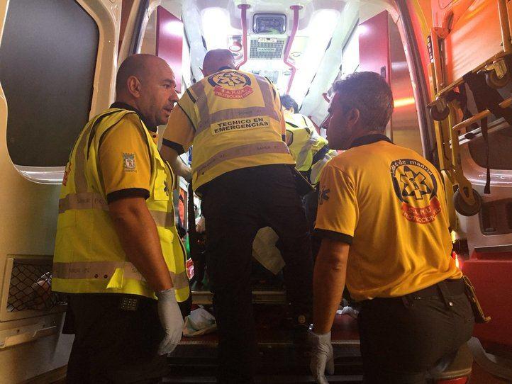 Los sanitarios han trasladado al herido al Gregorio Marañón.