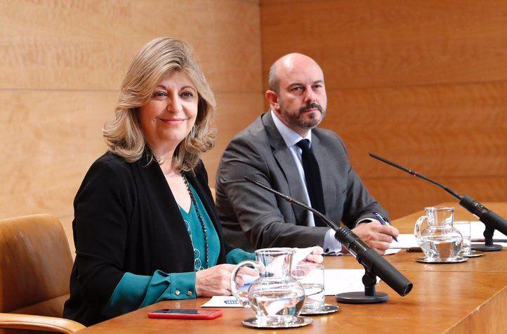 La consejera de Economía, Engracia Hidalgo, y el vicepresidente Pedro Rollán, en una rueda de prensa este martes.