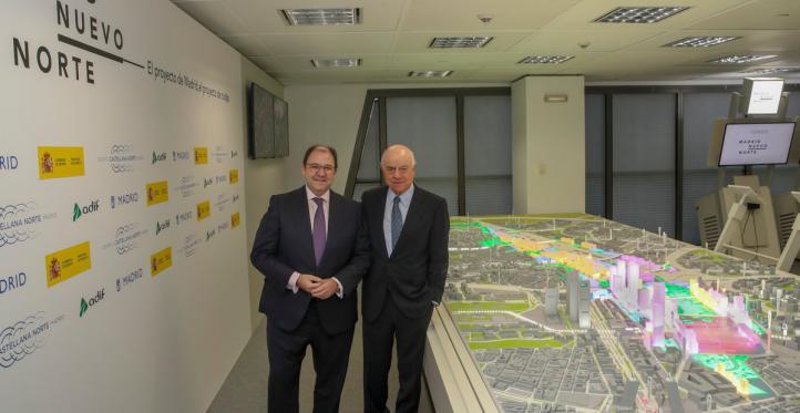 Antonio Béjar, presidente de DCN, y Francisco González, presidente de BBVA.