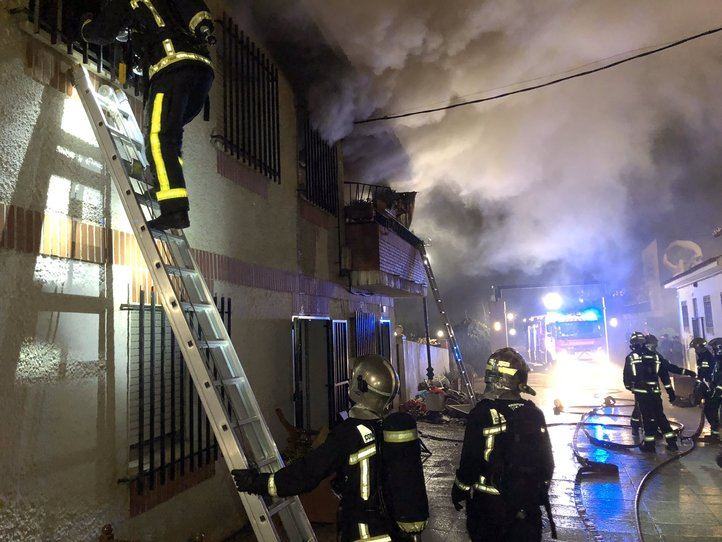 Incendio en una vivienda en Serranillos del Valle.