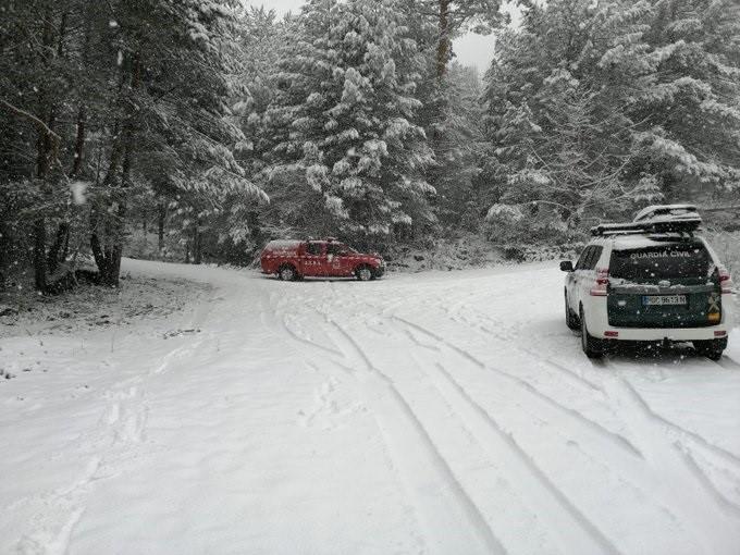 Rescatados dos montañeros tras perderse en la nevada de Cotos