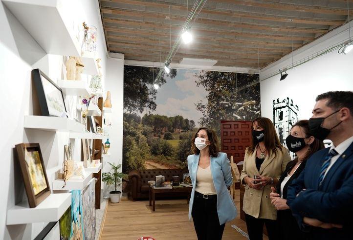 La presidenta de la Comunidad de Madrid, Isabel Díaz Ayuso, participa en la proclamación del municipio de Nuevo Baztán como uno de los pueblos más bonitos de España