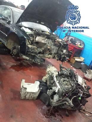 Piezas de los coches robados por los detenidos.