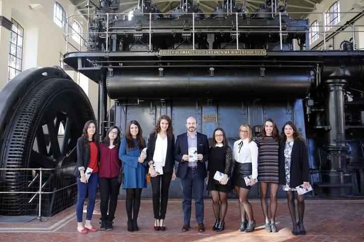 La Línea 2 de Metro de Madrid se convierte en escenario literario