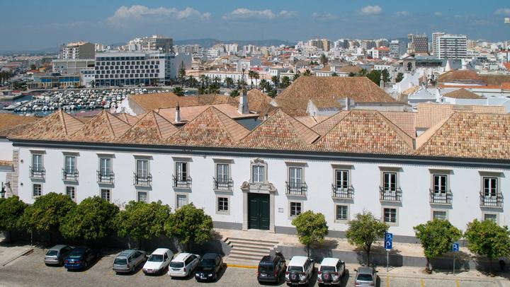 Destino de la semana: Faro, la ciudad de espaldas al mar