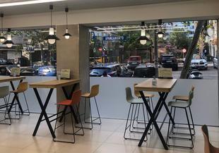 Sección de 'Listo para Comer' del supermercado ubicado en la calle Juan Gris, junto al paseo de la Castellana (Madrid)