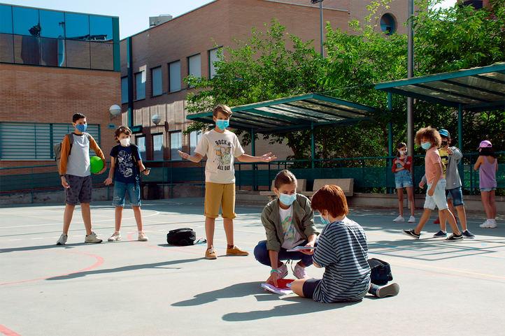 Un tercio de los alumnos identifica acoso escolar en clase: cómo prevenirlo en 'año Covid'