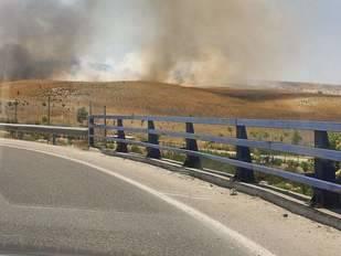 Incendio de pasto en la A-3 a la altura del KM.12
