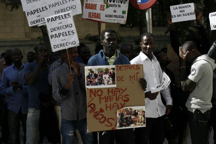 Protesta de los 'manteros' a las puertas del Ayuntamiento