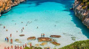 Las playas de las Islas Baleares, colapsadas