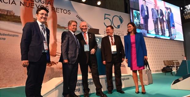 Miguel Ángel Revilla, presidente de Cantabria, y otras autoridades en el 50º Congreso Nacional de Podología y VI Encuentro Iberoamericano.