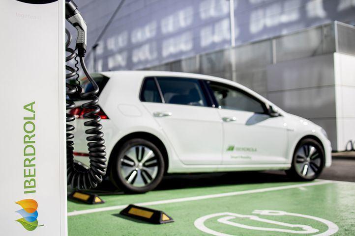 Iberdrola pisa el acelerador de la movilidad eléctrica: más inversiones y apuesta por la recarga más rápida