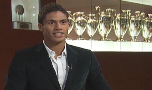 Roban 70.000 euros al futbolista Raphael Varane