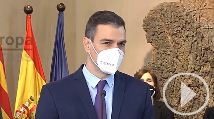 Sánchez insiste en que se garantizará acceso a vacuna a todos los españoles