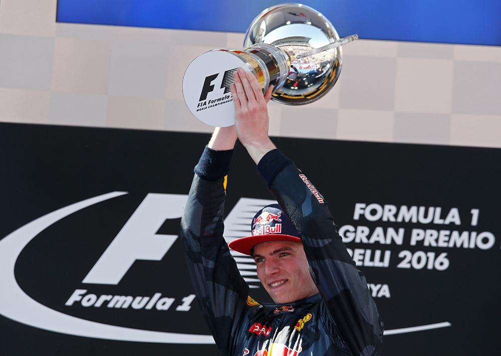 """El joven Verstappen pone """"patas arriba"""" el circo de la Formula 1 ..."""