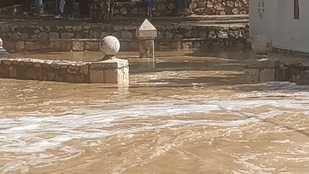 Inundaciones en Villar del Olmo tras el paso de las fuertes lluvias.
