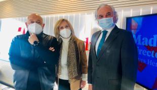 Constantino Mediavilla, Nieves Herrero y Miguel Garrido en los estudios de Onda Madrid