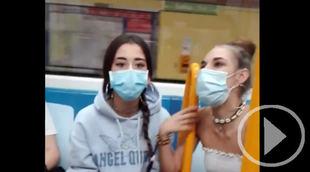 Tres chicas insultan y escupen a una pareja en el Metro