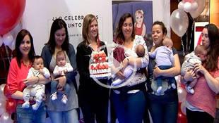 'Sesión Teta' celebra su primer aniversario