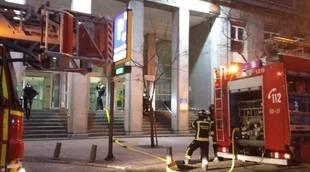 Extinguen un fuego en el salón de actos del Hospital de La Princesa