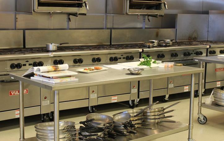 ¿Qué necesitas para montar tu cocina industrial?