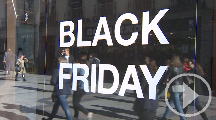 Consejos de la OCU y la policía para el Black Friday