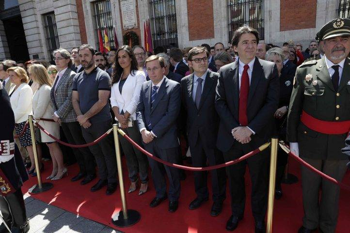 Carmena y varios ediles asisten a los actos del Dos de Mayo