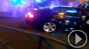 Accidente entre un coche patrulla y uno de alquiler