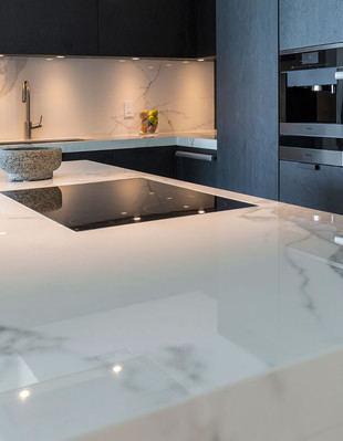 Encimeras de cocina: ventajas de optar por el mármol
