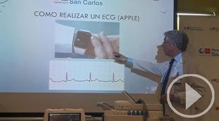 Un cardiólogo del Clínico descubre que un 'Apple Watch' puede hacer electros fiables