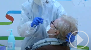 Sanidad, ve con esperanzada la evolución de la pandemia pese a la presión en ucis