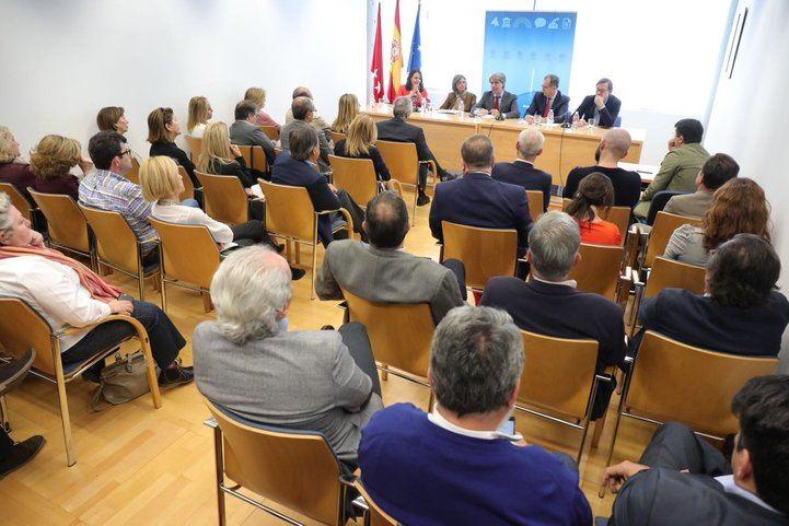 Ángel Garrido se ha reunido este viernes con los diputados del PP en la Asamblea, sin la presencia de Cristina Cifuentes