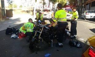 Herido muy grave un motorista al chocar con un taxi en Delicias
