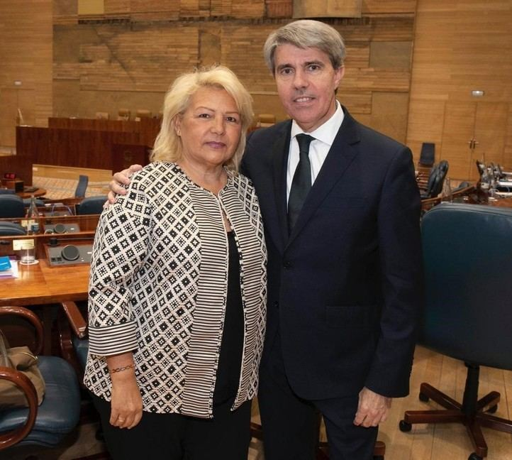 Ángeles Pedraza junto a Ángel Garrido.