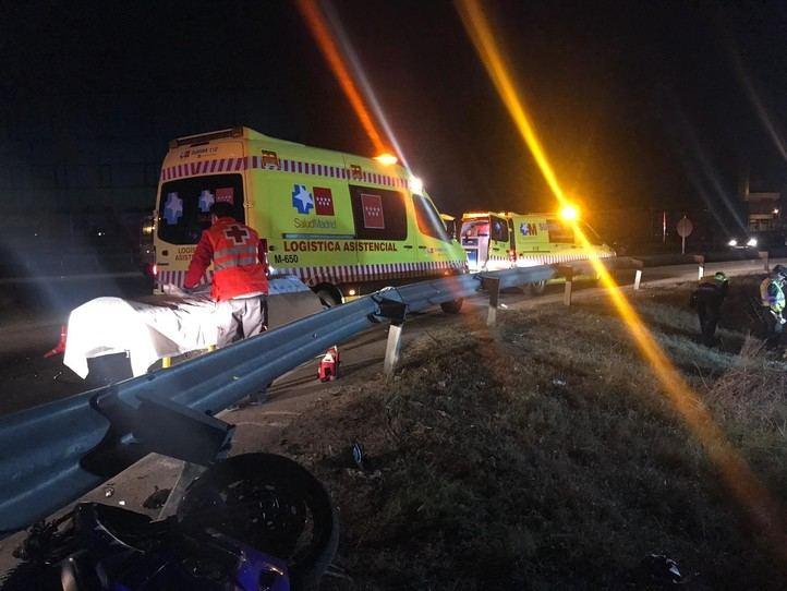 Un motorista, muy grave tras salirse de la vía en Griñón