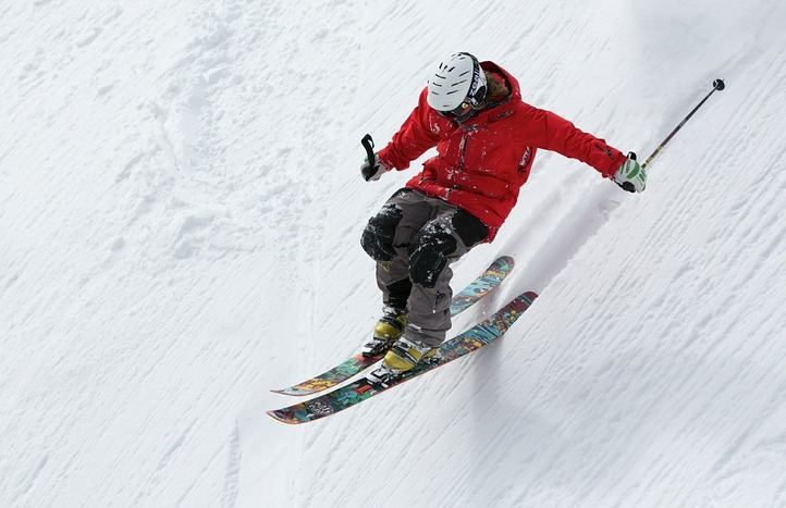 El equipo adecuado para esquiar este invierno
