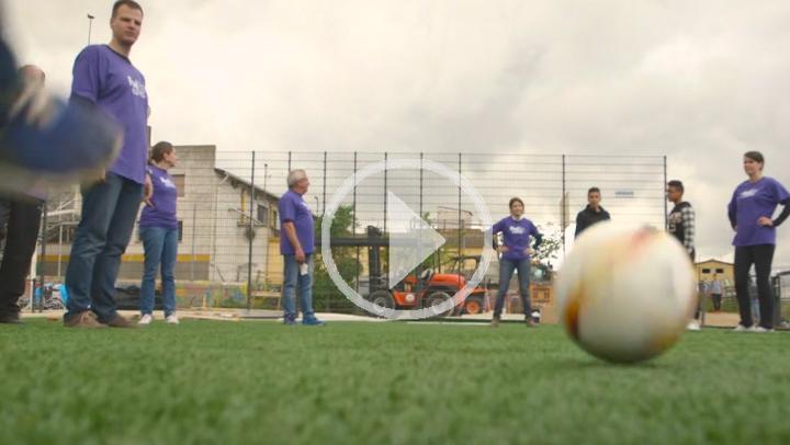 El fútbol llega a los niños de la Cañada Real