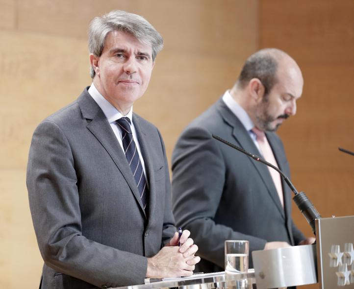 El presidente de la Comunidad, Ángel Garrido, y su número dos, Pedro Rollán, en la rueda de prensa posterior al Consejo de Gobierno.