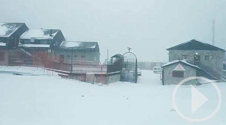 Primera gran nevada de la temporada en Valdesquí