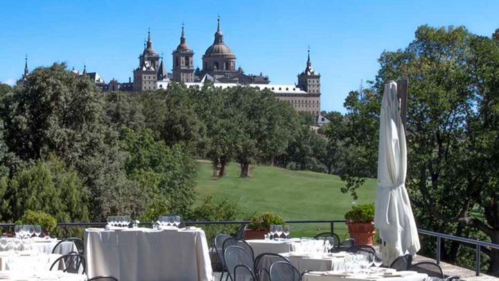 Real Club de Golf La Herrería en el Escorial, un campo de golf con vistas al Monasterio