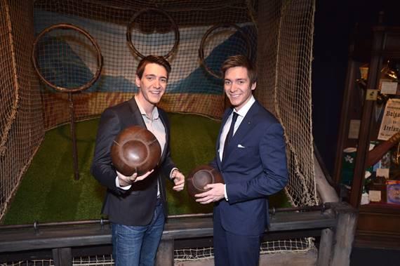 James y Oliver Phelps, los actores ingleses que interpretaron a los traviesos gemelos Fred y George Weasley en la saga de películas de Harry Potter