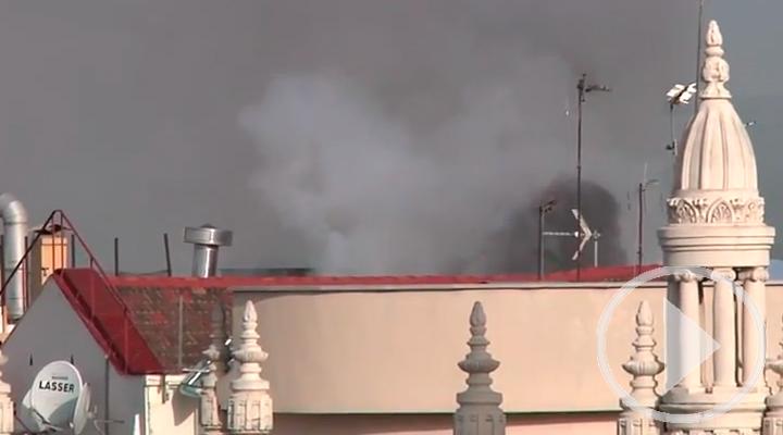 Un incendio provoca el corte de Gran Vía en hora punta