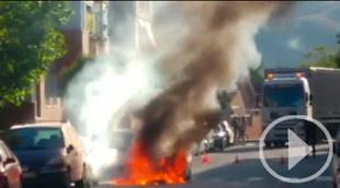 Arde un vehículo que circulaba por Velilla de San Antonio