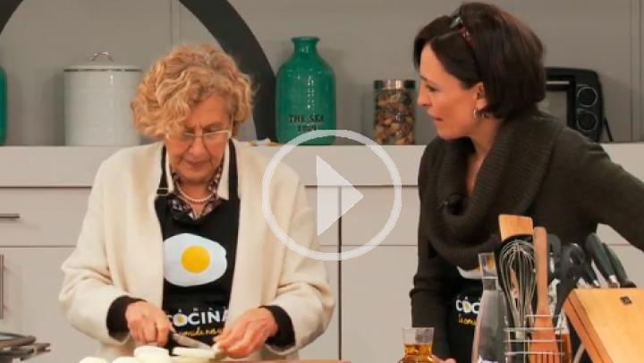 Pollo al curry, el plato estrella de Manuela Carmena